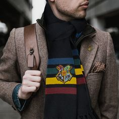 Harry Potter Costume Hogwarts Scarf - Harry Potter - Order with Standard delivery for USA orders available only > Express delivery temporary unavailable > For all express