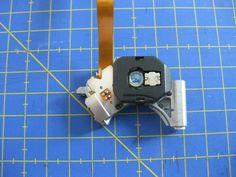 Proyectos DIY para reciclar un lector de CD/DVD - Ikkaro Diy Electronics, Electronics Projects, Cnc, Arduino, Usb Flash Drive, 3d Printing, Projects To Try, Geek Stuff, Technology