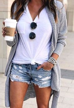 20 Simple and Comfy Casual Summer Outfits Casual Outfit sexy casual outfits Sexy Casual Outfits, Stylish Summer Outfits, Comfortable Outfits, Short Outfits, Outfits For Teens, Spring Outfits, Dress Casual, Comfortable Fashion, Simple Outfits