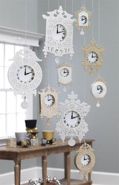 RAZ 7 Inch Glittered Clock Silver Gold Christmas Decoration....I would love this as a regular decoration...less glitter haha! AND use all the time your kids were born, you were married etc....maybe include a hanging frame with a corresponding pic!!