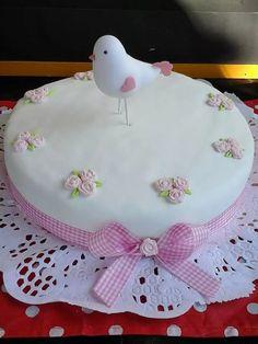 pajarito en porcelana fria adorno de torta  en belgrano