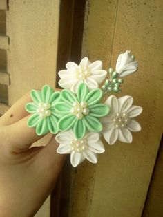 Close up on the green-white kanzashi by CovenEye on deviantART
