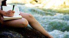 沒有你的允許,日記應該不會被其他的人給看見。 如果想抒發無法說出口的煩惱或壓力,日記就是最好的選擇♪  在日記寫下最近擔心的事情或今天發生的衰事,讓這分不好的心情在今天畫下句點吧!  隔天以後再閱讀一次的時候,可能會發現過去的自己原本是這樣的想法,或是因此浮現解決方法的靈感喔☆