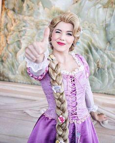 Disney Character Cosplay plus est en vous - Walt Disney World, Disney Nerd, Disney Tangled, Disney Girls, Disney Magic, Tangled Rapunzel, Disney Stuff, Disneyland Images, Disneyland Paris