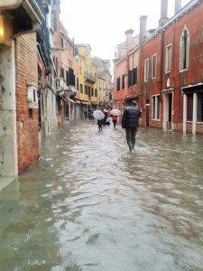 Acqua alta Venezia le spese continuano