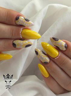 Yellow nails  #nails #nailart #nailsoftheday #springnails #chrycanthemum #yellow #happynails #lovedrawing #nailaholic #nailaddict #nails2inspire #nothingisordinary #nailartist #marinaveniou #nailartseminars ##trusttheexperts #beautymakesyouhappy   www.kalliopeveniou.gr