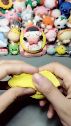Clay Crafts For Kids, Diy Resin Crafts, Polymer Clay Projects, Diy Clay, Handmade Crafts, Fun Crafts, Polymer Clay Animals, Cute Polymer Clay, Cute Clay
