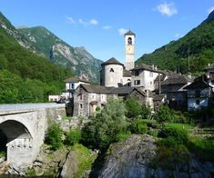 From the summits of its mountains to the shores of its lakes, the Canton of Ticino is dotted with a vast number of towns and villages, each with its fascinating past and unique personality. However, there are six that glow with even more splendor and that make tourists who visit them immediately fall in love, […] The post The most beautiful villages in Ticino, Switzerland appeared first on A Luxury Travel Blog. Luxury Travel, Switzerland, Most Beautiful
