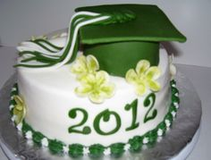 graduation cake green and white - graduation cake, fondant scroll and hat is cake made from a pyrex bowl mini Graduation Cake Designs, Graduation Theme, College Graduation Parties, Graduation Cupcakes, Graduation Decorations, Grad Parties, Teachers College, Cupcake Photos, Cupcake Images