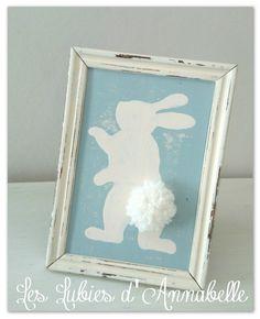 Cadre lapin blanc shabby vintage à suspendre ou à poser : Décorations murales par leslubiesdannabelle