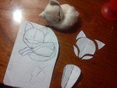 Sleeping fox,mini plushie patterns by ShioriAtzuko - Plushies Pixel Art Objet, Sewing Toys, Sewing Crafts, Sleeping Fox, Craft Projects, Sewing Projects, Plushie Patterns, Softie Pattern, Fox Toys