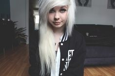 Cant wait for the end of the year when my hair is longer and I hopefully get my extensions :)