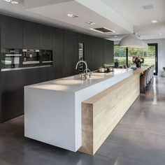Minimalist Kitchen Design and Style, Contemporary Kitchen Designs 2018 What for Dummies - kindledecor Modern Kitchen Interiors, Contemporary Kitchen Design, Home Decor Kitchen, Interior Design Kitchen, New Kitchen, Kitchen Units, Kitchen Designs, Kitchen Ideas, Kitchen Soffit