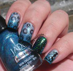 The Clockwise Nail Polish: Jade Falling Star & Ellen Gold Holo Azul