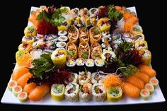 Find images and videos about food, yummy and sushi on We Heart It - the app to get lost in what you love. Sushi Recipes, Seafood Recipes, Love Eat, I Love Food, Veggie Sushi, Sushi Food, Sushi Platter, Best Pancake Recipe, Homemade Pancakes