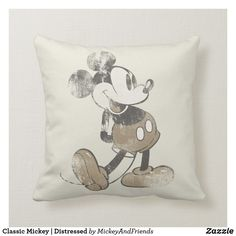Mickey & Friends - Mickey Size: Throw Pillow x Gender: unisex. Disney Princess Facts, Disney Fun Facts, Princess Quotes, Disney Princesses, Vintage Mickey Mouse, Mickey Mouse And Friends, Minnie Mouse, Disney Dorm, Disney House