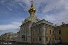 RU_150623 Venäjä_0261 Pietarhovin Suuri palatsi Leningradin oblastissa Russia, Louvre, Building, Travel, Viajes, Buildings, Destinations, Traveling, Trips