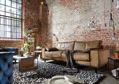 Sofa Dwayne Leder Antik in 240 cm breite mit Antik light olive bezogen Vintage Industrial Furniture, Industrial House, Industrial Interiors, Industrial Style, Home Interior Design, Interior Architecture, Interior Decorating, Deco Retro, Decor Styles