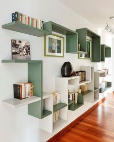 4 Surprising Useful Tips: Floating Shelves Under Tv Diy floating shelves fireplace house.Floating Shelf Display Offices how to decorate floating shelves in living room.Floating Shelf Above Bed Home. Bibliotheque Design, Etagere Design, Sweet Home, Diy Casa, Home Projects, Floating Shelves, Floating Wall, Furniture Design, Furniture Decor