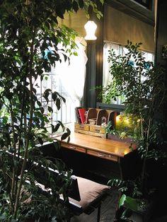 ゆったりと一人時間を楽しむためのブックカフェ【アール座読書館】