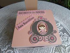 Caixa para guarda de documentos produzida por Mônica Guedes