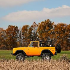 Classic Bronco, Classic Ford Broncos, Ford Bronco Truck, Ford Trucks, Ford Off Road, Jeep Scout, Broncos Colors, Old Bronco, Old Vintage Cars