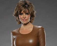 Lisa Deanna Rinna (born July is an American television host and actress. Cut And Style, Cut And Color, Hair Dos, My Hair, Lisa Rinna Haircut, Short Hair Cuts, Short Hair Styles, Lisa Hair, Hair 2018