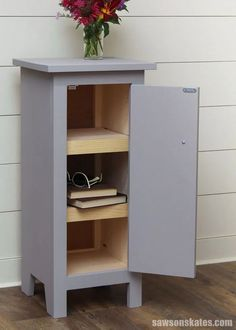 This DIY end table has adjustable shelves that can be positioned to store magazines, books, remotes, and more. #sawsonskates
