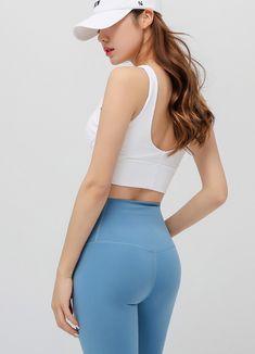 Korean Women`s Fashion Shopping Mall, Styleonme. Yoga Pants Girls, Girls Jeans, Pretty Asian, Beautiful Asian Girls, Patterned Leggings, Korean Model, Plein Air, Bra Tops, Asian Woman