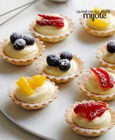 Les mini croûtes à tarte congelées du commerce sont votre raccourci vers cette #recette vraiment facile de Tartelettes aux fruits, qui feront sensation à une prochaine fête. Et pour ceux que ça intéresse, chacune ne contient que 90 calories ! Tapez ou cliquez sur la photo pour obtenir la recette.