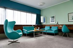 Today, room 606 is the only space in the hotel that still completely reflects Jacobsen's original designs.