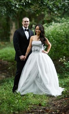 Vera Wang vw351178: buy this dress for a fraction of the salon price on PreOwnedWeddingDresses.com