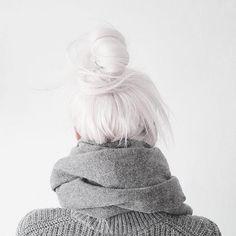 White / Light Gray Topknot