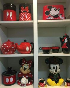 Cozinha Do Mickey Mouse, Mickey Mouse Kitchen, Mickey Mouse Christmas, Minnie Mouse House, Mickey Mouse Bedroom, Mickey Mouse And Friends, Disney Kitchen Decor, Disney Home Decor, Disney Stairs