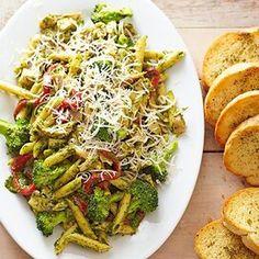 Pesto Penne with Deli-Roasted Chicken Best Pasta Salad, Pasta Salad Italian, Pasta Salad Recipes, Quick Summer Meals, Quick Dinner Recipes, Summer Recipes, Whole Roasted Chicken, Cooked Chicken, Rotisserie Chicken
