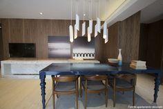 Decoração de: Sala de jantar;mesa de jantar retangular azul; Casa de Valentina