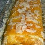 Torta de Amendoa com doce de ovos moles