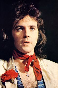the very first time I ecstatically walked into the Kensington High St (I think it was there, 1972 & the store was very big) BIBA, the loud and proud music that greeted me was 'im gonna make you a star' by David Essex // was fabulous & so fit the vibe at that time... when I hear that song, I can close my eyes and be walking in that 'most beautiful store in the world' again, taking in the sights & smells & sounds of a special time in my youth...