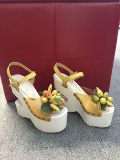 Bare Traps Sandals Vintage 1970s Red Shoes Platform Wood