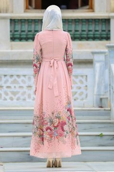 Neva Style - Kemerli Çiçek Desenli Somon Tesettür Elbise 7699SMN Islamic Fashion, Muslim Fashion, Modest Fashion, Hijab Fashion, Fashion Dresses, Modele Hijab, Abaya Designs, Full Length Gowns, Islamic Clothing