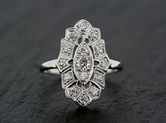 Art Deco Diamond Ring - Antique Platinum Art Deco Diamond Engagement Ring