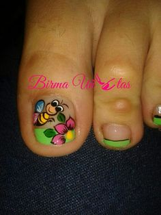 Uñas que vas a qurer reacer Fancy Nails, Love Nails, Pretty Nails, My Nails, Toenail Polish Designs, Toe Nail Designs, Cute Nail Art, Beautiful Nail Art, Pedicure Nail Art