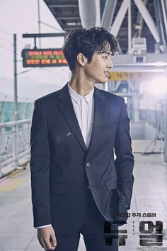 watch DUEL deym he's so amazing and hot too lol Cute Korean, Korean Men, Asian Men, Korean Drama List, Korean Drama Movies, Lee Je Hoon, Korean Tv Series, Handsome Korean Actors, Best Kdrama