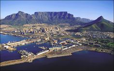 Cape Town, South Africa has an amazing history, and is a very vibrant modern day city. Beautiful surrounding locales, too for easy and fun day trips. Pretoria, Places To Travel, Places To Visit, Travel Pics, Travel Goals, Travel Ideas, Equador, Cape Town South Africa, Table Mountain