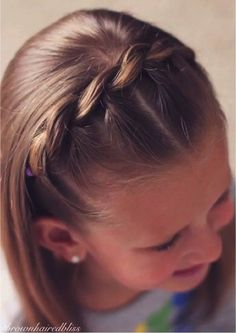 Pull through braided headband – Hair Style Girls Hairdos, Baby Girl Hairstyles, Pretty Hairstyles, Braided Hairstyles, Picture Day Hairstyles, Teenage Hairstyles, Daily Hairstyles, Hair Girls, Princess Hairstyles