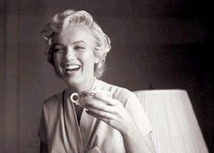 Some Like It Extra Hot: Marilyn Monroe Coffee Mosaic Breaks Record - Sprudge