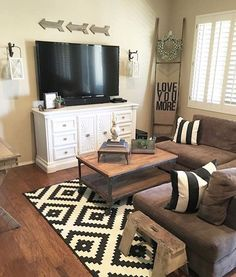 Get inspired with living room ideas and photos for your home refresh or remodel. Wayfair offers thousands of design ideas for every room in every style. New Living Room, Home And Living, Living Room Decor, Small Living, Shabby Chic Vintage, Vintage Decor, Rustic Decor, Salons Cosy, Boho Home