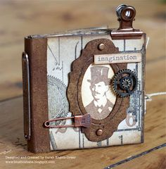 Mini book based on Tim Holtz tutorial