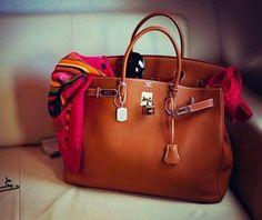 deardesignerhandbags.com 2013 Prada bags online collection,