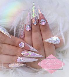 - My Nails Ongles Bling Bling, Rhinestone Nails, Bling Nails, Gorgeous Nails, Pretty Nails, Nail Art Designs, Nagel Bling, Stiletto Nail Art, Nail Nail